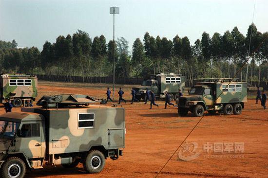 资料图:解放军新型通信装备参加实战演练