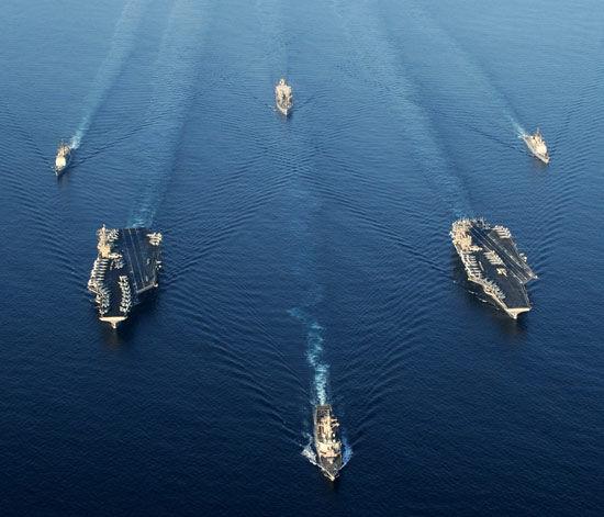 """文章称航母战斗群和其它军舰装备了大量反制武器系统能够对抗所谓""""航母克星武器"""""""
