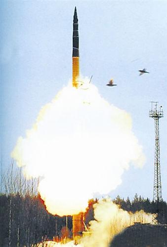 RS-12M-2导弹试射瞬间