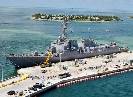 美國最新型伯克級戰艦建造成本高達30-40億美元(圖)