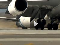 波音747-8F货机测试飞行