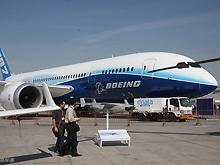 波音787梦幻客机在迪拜航展现场静态展示