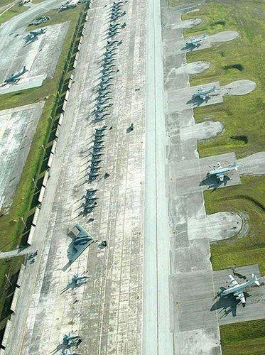 资料图:关岛美军基地停机坪。