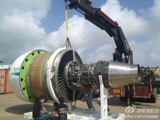 普惠pw1000g涡轮风扇发动机现场吊装