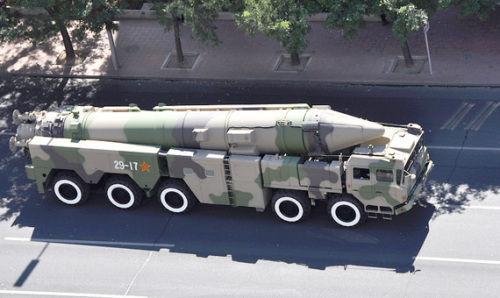 资料图:中国东风21弹道导弹