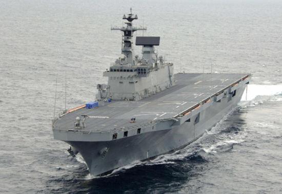 资料图:韩国独岛号两栖攻击舰。