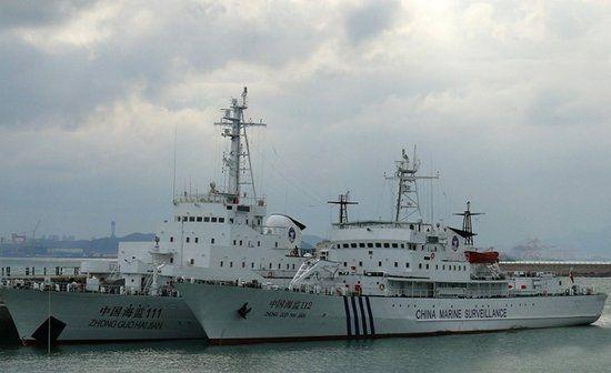 资料图:海监111与112船,海监111船原为海军海冰723号破冰船。