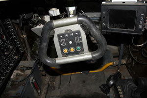 助力方向盘,灯光等很多基本控制都可在方向盘上实现