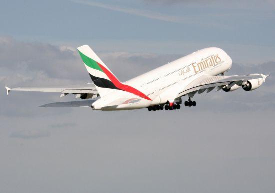 2013年1月1日起,阿联酋航空执飞的迪拜往返纽约肯尼迪机场和巴黎戴高乐机场的A380航班将分别增至每日两班