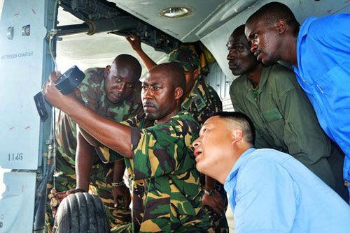 成飞技术人员在坦桑尼保障歼-7TG战机