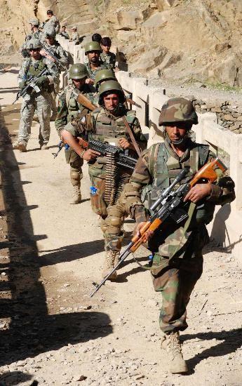 资料图:阿富汗政府军士兵巡逻