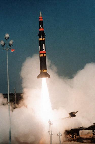 """美国80年代末期放弃的""""潘兴II""""型(Pershing II)地对地弹道导弹"""