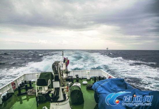 中国海监船巡航东海