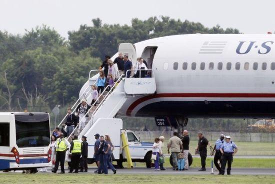 客机降落后所有乘客下机