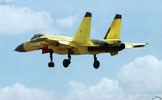 歼-15舰载战斗机是在我国第三代战机技术基础 上进行了全新设计研制的多用途舰载战斗机