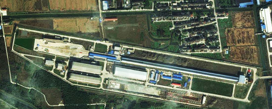 疑似中国弹射器的基地设备卫星图