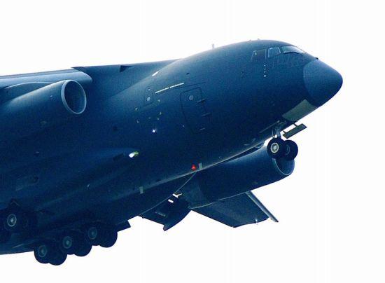 从数据推算,一架运油-20可供油近90吨,为18架歼-11BS或歼-16授油5吨。