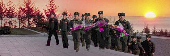 韩国媒体刊登的朝鲜《劳动新闻》涉嫌作假照片