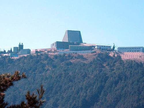 资料图:台湾铺路爪雷达部署在大山之上