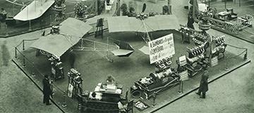 1924年:第9届巴黎航展起变为每两年举行一届