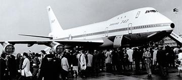 1969年:第28届巴黎航展上波音747亮相
