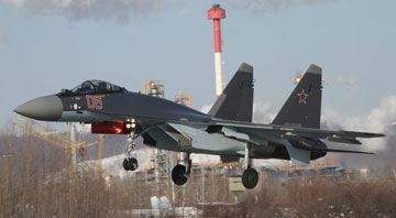 俄空军接收第6架量产型苏-35S采用茄子涂装