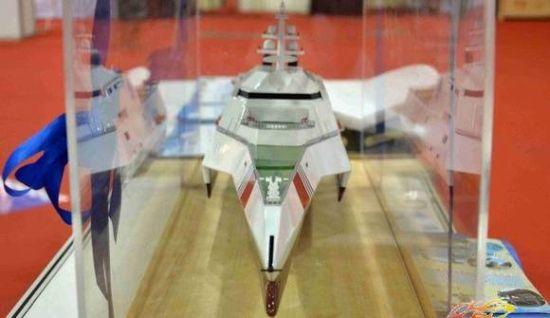 网友在航运博览会上拍摄到的中国海事三体执法船