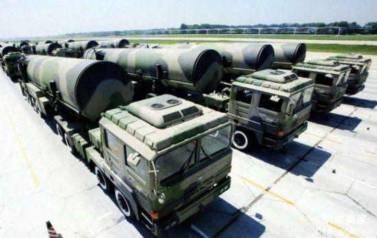 资料图:二炮列装的东风-31系列弹道导弹