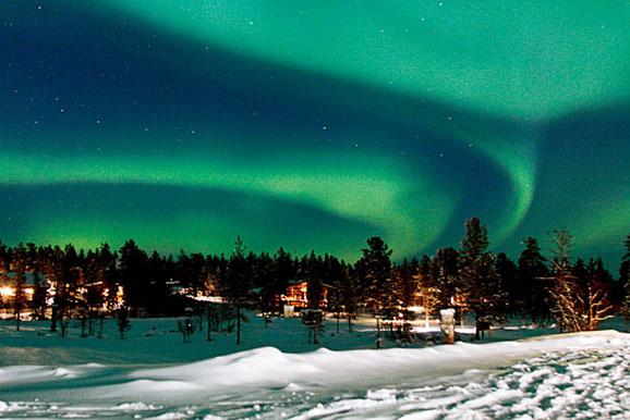 新浪航空春节飞去哪儿特别策划:芬兰看极光