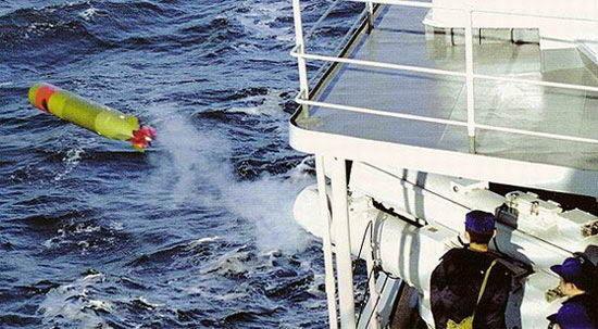 资料图:中国新型鱼雷弹出画面