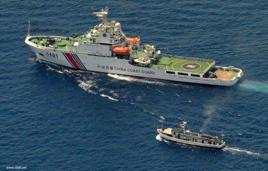资料图:中国海警船与菲律宾渔船对峙