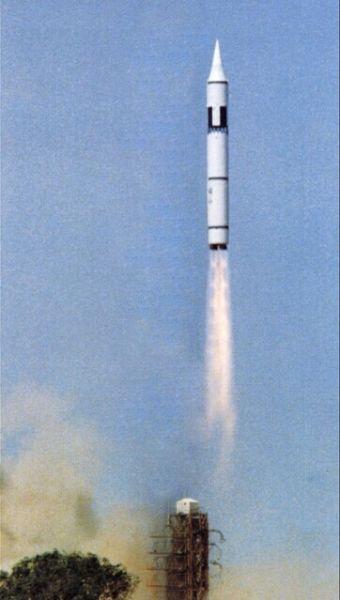 资料图:东风5洲际导弹发射升空