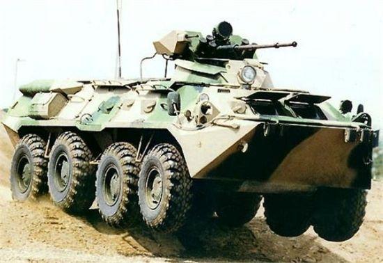 资料图:哈萨克斯坦参演部队的新型BTR-80A式轮式步兵战车