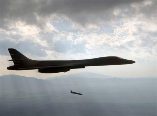 资料图:美国今年早些时候试验了LRASM隐身远程反舰导弹,该导弹最大射程号称可达800公里,但该导弹目前还没有研制陆射型号的计划