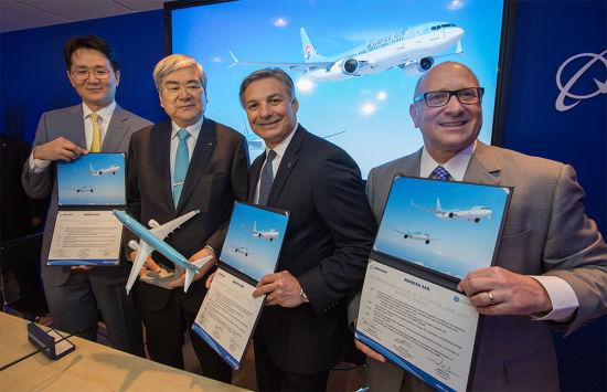 大韩航空与波音签署协议仪式