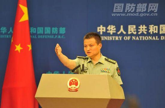 国防部新闻事务局局长、国防部新闻发言人杨宇军大校答记者问。吴凌皓 摄