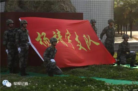 今:济南军区某集团军装甲旅
