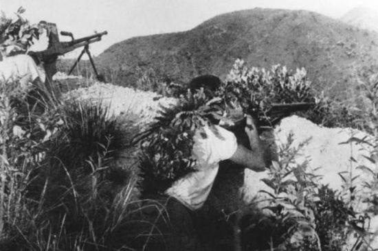 华南游击队部队在战斗中