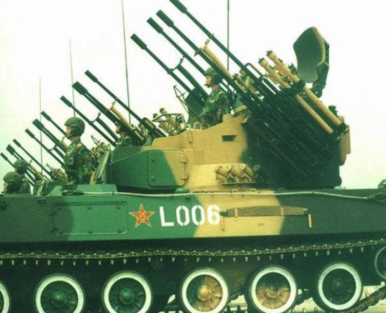 资料图:1999年国庆阅兵参阅自行高炮方队