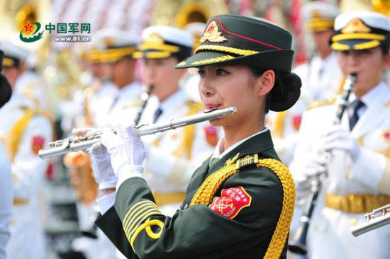 军乐团女兵