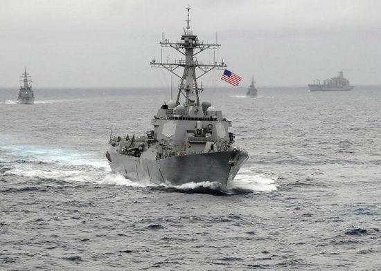 美军宙斯盾导弹驱逐舰