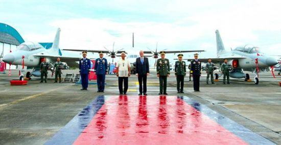 菲律宾军政高官出席战机服役仪式