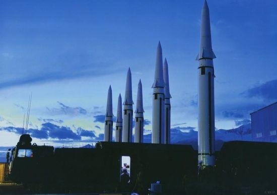 东风-15导弹是我军一种车载机动短程弹道导弹,是中国战术导弹的主力。