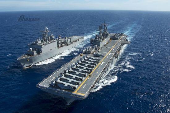 2015年6月5日,美国海军两艘两栖攻击舰LHD6好人理查德号与LHD2埃塞克斯号,分别满载MV-22鱼鹰战机分别进入中国东海海域与香港水域。   其中,黄蜂级两栖攻击舰埃塞克斯号路过香港,经停休整。好人理查德号与两栖船坞登陆舰阿什兰号(LSD48)则在东海海域航行,执行第7舰队部署任务。