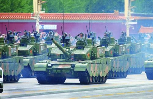 参加8月23日演练的装备方队中,我国最新型99式改主战坦克。