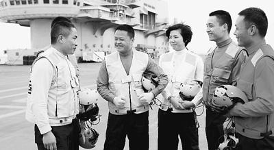 揭秘中国航母保障基地:像一座超大物流中心