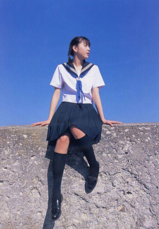 日本高中男女生互换一天校服 尝试异性角度思