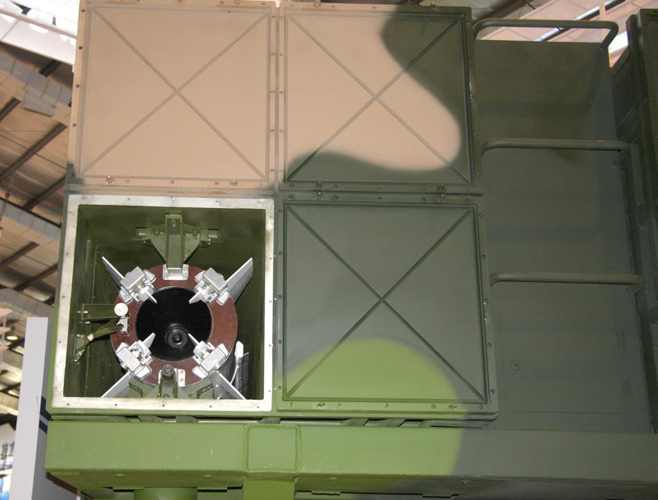 卫士-2d(ws-2d)远程火箭炮_解放军战士雾霾天射击训练用20发打出200环
