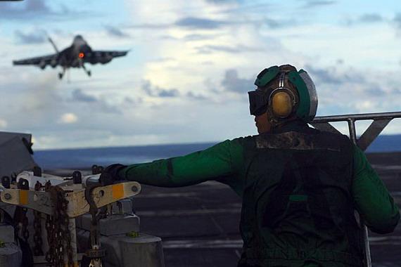 图文:美军航母实力一贯号称足够强大