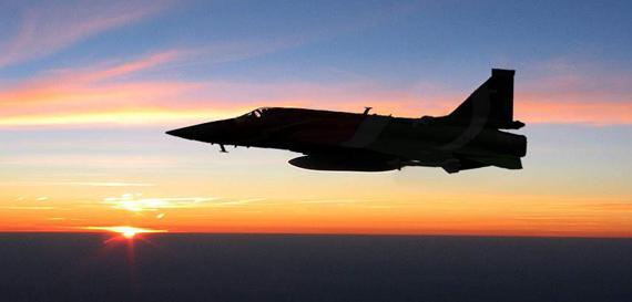 图文:巴基斯坦空军JF-17雷电战机巡航